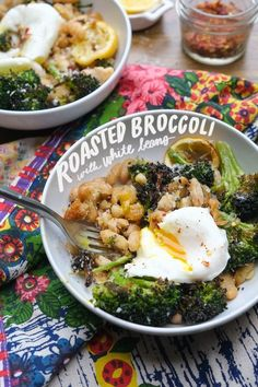 Need a hearty vegetarian recipe for breakfast/lunch/dinner that requires little effort? Turn on the oven and make Roasted Broccoli and White Beans. Put an egg on top! Recipe on Shutterbean.com Vegetarian Recipes Hearty, Healthy Recipes, Cooking Recipes, Cooking Ham, Ramen Recipes, Vegetarian Lunch, Hamburger Recipes, Cabbage Recipes, Clean Eating Recipes
