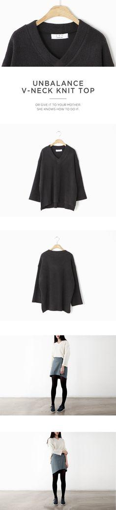 텐바이텐 10X10 : unbalance V-neck knit top
