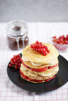 These homemade nutella stuffed pancakes are 100% healthy and gluten-free. They are perfect for a special occasion like Valentine's day or Mother's day.
