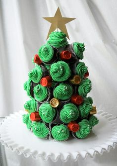 Christmas tree, Cupcake towers with a golden star, yummy cupcakes for Christmas mini trees, Winter Wonderland Cupcakes Cupcakepedia