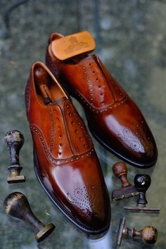 Hi End of Elegance.Patina by Dandy Shoe Care.info@dandyshoecare.it