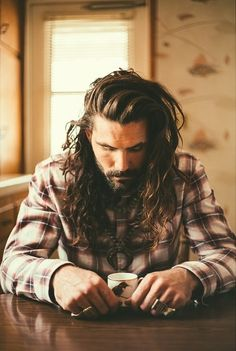 I know I'm getting old when I see a dude with long hair and think it's sexy.. Guilty as charged, this guy is gorgeous