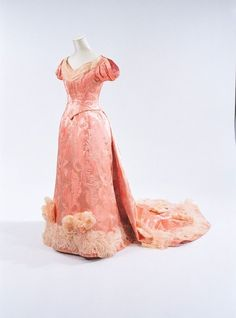 Evening dress (robe décolleté) worn by Dowager Empress Akinori of Japan, 1887. Robe décolleté or chureifuku was required for evening meals, etc., at the Imperial Court. From the Bunka Gakuen Costume Museum.
