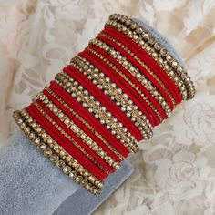 Indian Asian Bollywood bridal bangle set using beautiful kangans. In stock & ready to ship. Can be customised in any colour. Indian Jewelry Sets, Indian Wedding Jewelry, Indian Bridal, Chuda Bangles, Fancy Jewellery, Diamond Jewellery, Thread Bangles Design, Bridal Bangles, Bridal Jewelry