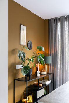 Living Room Colors, Living Room Designs, Living Room Decor, Bedroom Decor, Indian Home Decor, Retro Home Decor, Easy Home Decor, Home Interior, Interior Decorating
