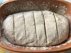 Für meinen zweiten Versuch im Römertopf fiel die Wahl diesmal auf ein Dinkelvollkornbrot mit Roggenanteil und Joghurt. Zur Abwechslung diesmal ohne Körner (diese kann man aber natürlich einfach dem…