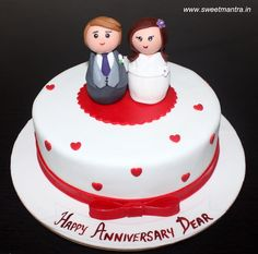 Anniversary theme customized designer small fondant cake with cute 3D couple figurines by Sweet Mantra - Customized 3D cakes Designer Wedding/Engagement cakes in Pune - http://cakesdecor.com/cakes/299411-anniversary-theme-customized-designer-small-fondant-cake-with-cute-3d-couple-figurines