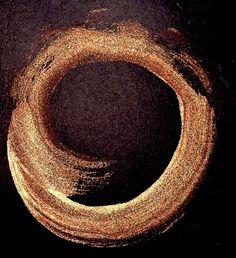 chill wind/an acorn bounces/through the oak (haiku and enso by susan)