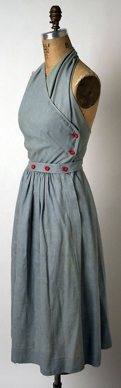 Claire McCardell Sundress 1943. another great arrangement of buttons.