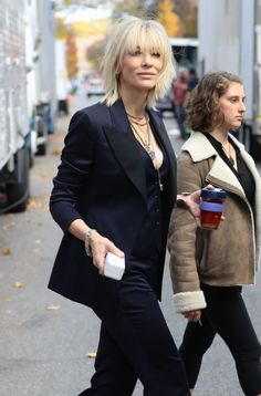 Cate Blanchett on the set of ocean's 8 in NYC November 4.2016