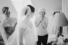 Mother of the bride portraits - © RYAN FLYNN PHOTOGRAPHY
