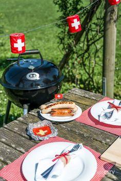 1. August Tisch Deko Idee Grilltisch Swiss National Day, Swiss Days, Girl Guides, Table Decorations, Holiday Decor, Homeland, Happiness, Travel, Beautiful