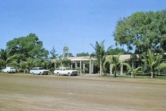 Sea Breeze Hotel before Cyclone Tracy. The Old Days, Darwin, Back In The Day, Breeze, Places To Visit, Australia, Hotels, Sea, Mansions