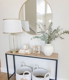 Home Entrance Decor, House Entrance, Entryway Ideas, Front Entryway Decor, Entry Table With Mirror, Entryway Table Modern, Cottage Entryway, Hallway Mirror, Front Hallway