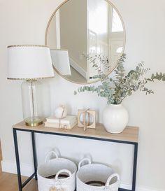 Home Entrance Decor, House Entrance, Entryway Ideas, Front Entryway Decor, Entryway With Mirror, Modern Entryway, Entrance Ideas, Small Entryway Tables, Console With Mirror