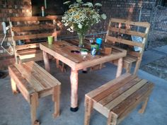 Table and benches out of pallets