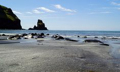 The Talisker Bay Beach Poster - Babetts Bildergalerie Beach Posters, Land Scape, Strand, Illustration, Water, Outdoor, Pictures, Printing On Wood, Artist Canvas