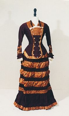 Ladies dress 1875-1880.