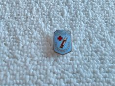 Vintage Romania/Romanian Red Cross pin badge Military Surplus, Soviet Union, Red Cross, Pin Badges, Romania, Ribbon, Ebay, Accessories, Collection