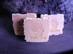 Honigkosmetik - HONIG Seife * nachhaltig pflegend * - ein Designerstück von Honigmond-Imkerei bei DaWanda