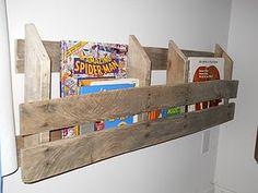 Pallet book shelf —I might make a magazine rack for my living room.