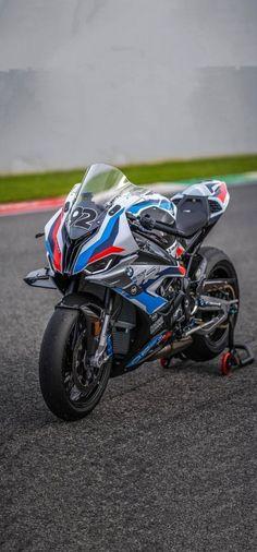 Yamaha Bikes, Cool Motorcycles, Ducati Supersport, Stunt Bike, Bmw S1000rr, Funny Facts, Sport Bikes, Motogp, Bikers