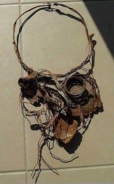 """veronica guiduzzi ti ho trovata""""  pezzi di ferro arrugginito, trovati in prossimità di cantieri edili-2009"""