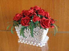 Quilling basket with roses handmade home por MayasPaperFantasy