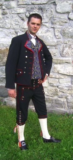 bunad, national costumes, national costume,bunader, folkedrakter, folks costumes, folkscostumes, festdrakter