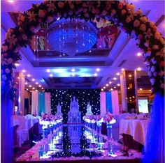 The 12 best wow aisle decor ideas for wedding images on pinterest wedding centerpieces mirror carpet aisle runner gold silver double side design t station decoration wedding favors carpets 2016 new arrival junglespirit Gallery