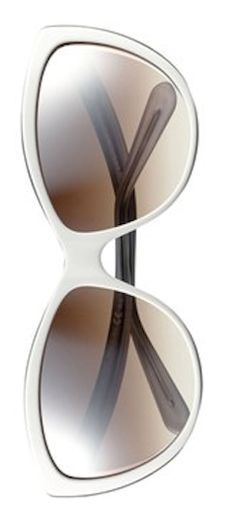 Love these fun two-tone cat eye sunglasses http://rstyle.me/n/epyr9nyg6