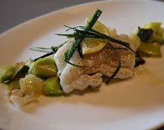 Dos de cabillaud sur lit de poireau en 2 cuissons Asparagus, Seafood, Steak, Beef, Chicken, Vegetables, Cooking, Healthy, France