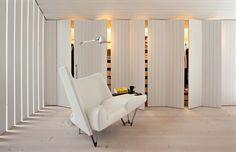 #wood Радикальный минимализм, организованный с помощью самых простых и традиционных средств – сосновых досок и белой краски.