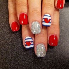 Nautical nail art per San Valentino