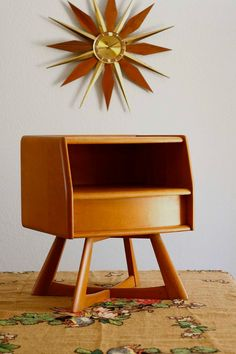 Believe it or not, scored this Mid Century Modern // Heywood Wakefield Sculptura Nightstand at Goodwill for $1.50... yes, that's one dollar and fifty cents.  Swoon.