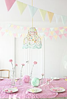 Now that I was blessed to get my little girl I am dreaming of sweet birthday parties.  They look like this in my head!