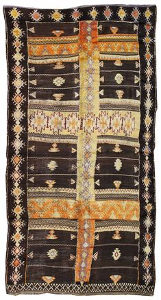Moroccan Rugs Gallery: Vintage Middle Atlas Mountains Rug, Hand-knotted in Morocco; size: 4 feet 11 inch(es) x 9 feet 9 inch(es)