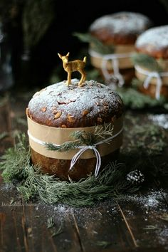 Am International proposal: Panettone is a traditional cake from Italy, stuffed with a lot of nuts and dried fruits. Christmas Sweets, Noel Christmas, Christmas Goodies, Rustic Christmas, Christmas Baking, Christmas Cakes, Cabin Christmas, Xmas Food, Christmas Pudding