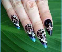 door Indigo Educator Ania Leśniewska :) Vind meer inspiratie op www. Animal Nail Designs, Animal Nail Art, Nail Ink, Nail Manicure, Creative Nail Designs, Creative Nails, Fabulous Nails, Gorgeous Nails, Funky Nails