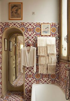 Fringe towels & amazing tile