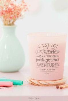 Une jolie bougie rose à offrir à sa meilleure amie ! La bougie parfumée est signée Mr Wonderful, elle est fabriquée avec de la cire végétale en Espagne, elle est disponible en France chez Bonjour Bibiche et elle est envoyer dans une boite cadeau #bougiesparfumées #mrwonderful #bonjourbibiche #cadeau #bougie #amie #amitié #citation #rosepink #bougieparfumée #bougies #bougiesnaturelles #bougiesvégétales #bougielovers #bougienaturelle #idéecadeau #pastelpink #cadeauxnoel #cadeauanniversaire…