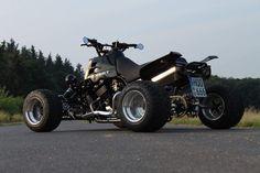 Exeet Banshee with motorcycle Engine