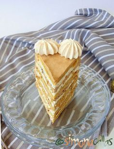 Tort Marchiza cu bezea si nuca Romanian Food, Romanian Recipes, Eat Pray Love, Something Sweet, Cakes And More, Cheesecakes, Nutella, Biscuit, Superfoods