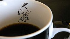 Snoopy! Hehe, great design to add to a cup. #snoopy #coffee #cup #crafts tå√