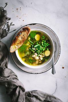 overhead shot of Winter Provençal Soup [Soupe Au Pistou] Kitchen Recipes, Wine Recipes, Soup Recipes, Vegetarian Recipes, Cooking Recipes, Healthy Recipes, Cooking With White Wine, Cooking Wine, Kitchens