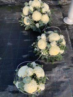 Grave Decorations, Memorial Flowers, Funeral, Flower Art, Floral Arrangements, Wreaths, Garden, Easter Ideas For Kids, Xmas