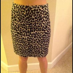 Leopard Body by Victoria skirt. Size 2 Body By Victoria (Victoria Secret) leopard knee length skirt. Super cute and versatile for work to nights out. Size 2 and in perfect condition. Runs a little small. No rips, tears or stains. Cotton and spandex blend for a form fitting look. Victoria's Secret Skirts