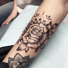 "796 Likes, 11 Comments - sтєρн ѕρєєя (@okitssteph) on Instagram: ""When the client says ""i got some space, you can do whatever you want!"" my first rose…"""