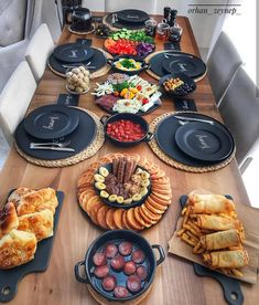 [New] The Best Recipes Today (with Pictures) - These are the 10 best recipes today. According to recipe experts, the 10 all-time best recipes right. Breakfast Presentation, Food Presentation, Breakfast Around The World, Breakfast Platter, Turkish Breakfast, Cuisine Diverse, Food Platters, Food Decoration, Table Decorations