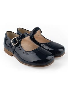 Classic brogues patent leather girls shoes in navy blue with buckle from Eli